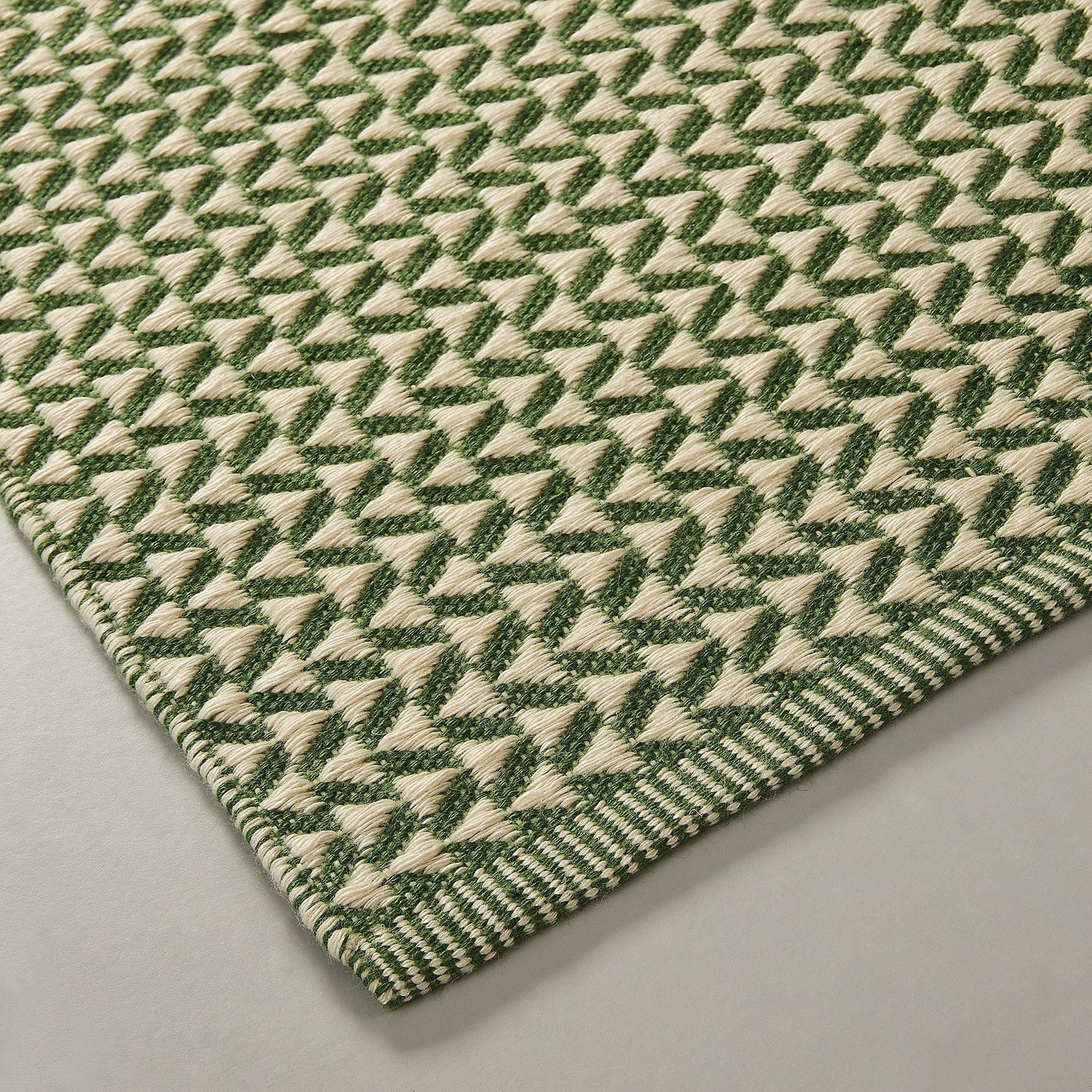 SFERA Rug Pet recycled 130x190 green