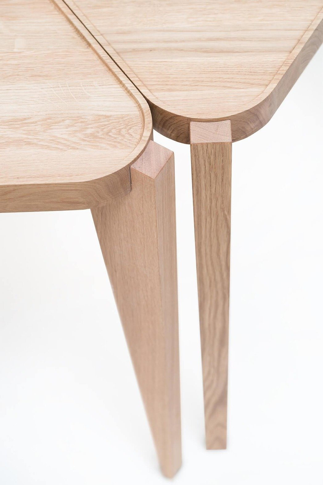 SWALLOW'S TAIL FURNITURE :: Bontri table TRIANGLE